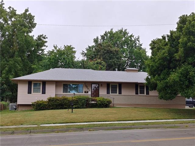 13501 E 35th Street South Street, Independence, MO 64055 (#2125073) :: Edie Waters Network