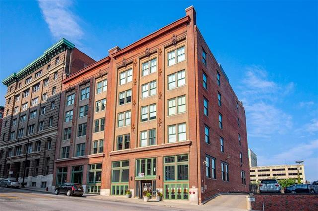 706 Broadway Boulevard #411, Kansas City, MO 64105 (#2125112) :: Char MacCallum Real Estate Group