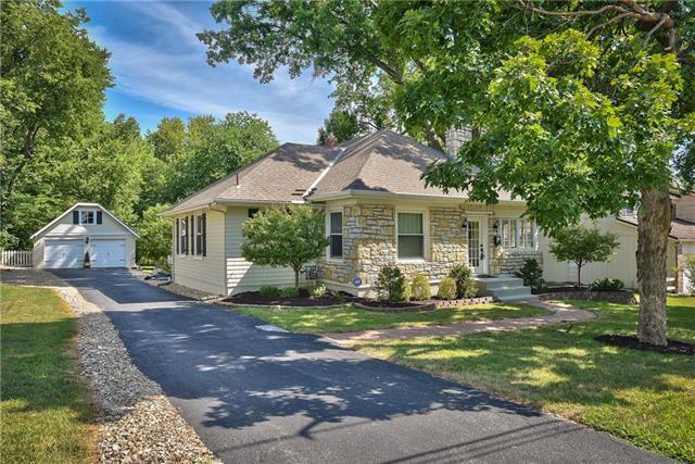 5306 W 87th Street, Prairie Village, KS 66207 (#2125159) :: Team Real Estate