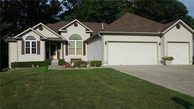 21404 E 50th Terrace Drive, Blue Springs, MO 64015 (#2125197) :: Team Real Estate