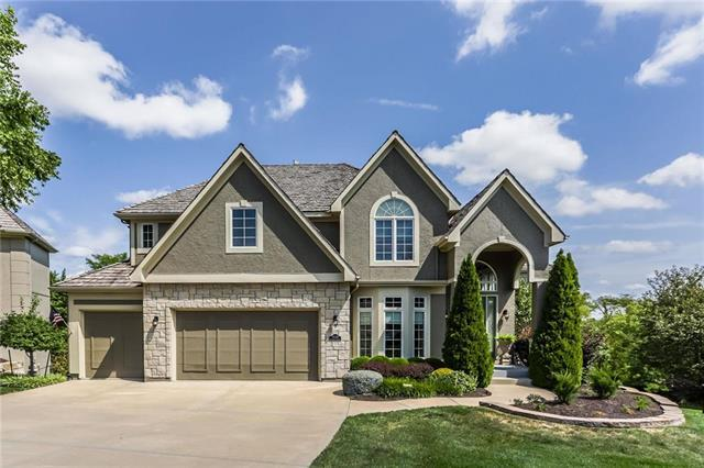 9520 Deer Run Street, Lenexa, KS 66220 (#2125207) :: Team Real Estate