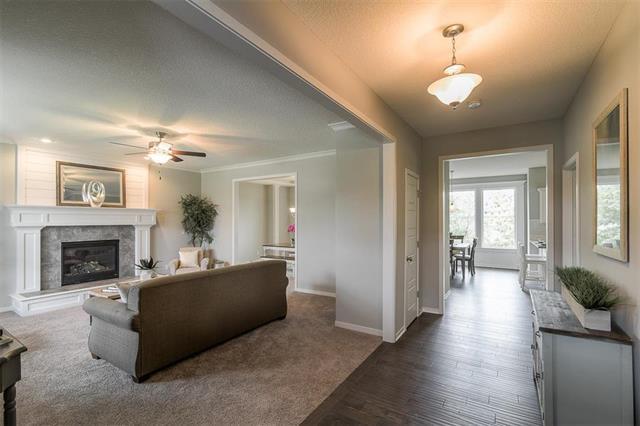 5200 W Meadowsweet Lane, Shawnee, KS 66226 (#2125235) :: Team Real Estate