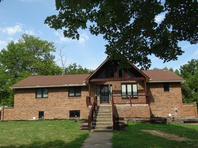1604 Dickinson Road, Independence, MO 64050 (#2125269) :: No Borders Real Estate