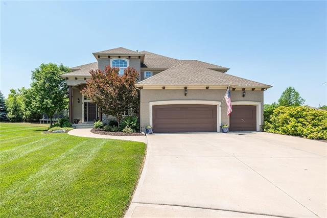 19015 99th Street, Lenexa, KS 66220 (#2125286) :: Team Real Estate