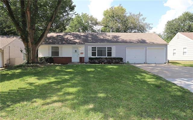 7662 Norwood Street, Prairie Village, KS 66208 (#2125293) :: Edie Waters Network