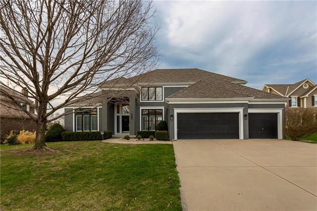 5510 W 147th Place, Overland Park, KS 66223 (#2125317) :: No Borders Real Estate