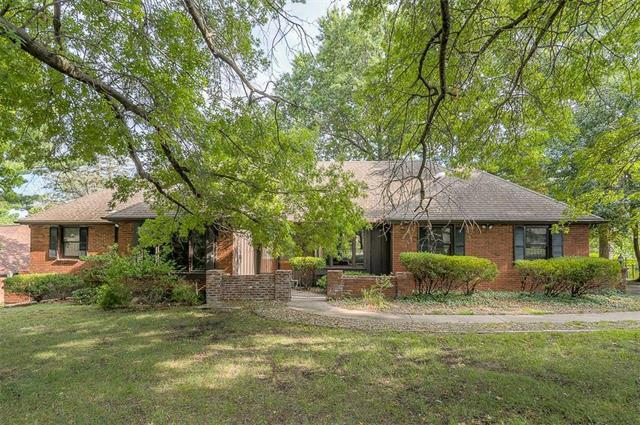 14601 E 43rd Street, Independence, MO 64055 (#2125327) :: Edie Waters Network