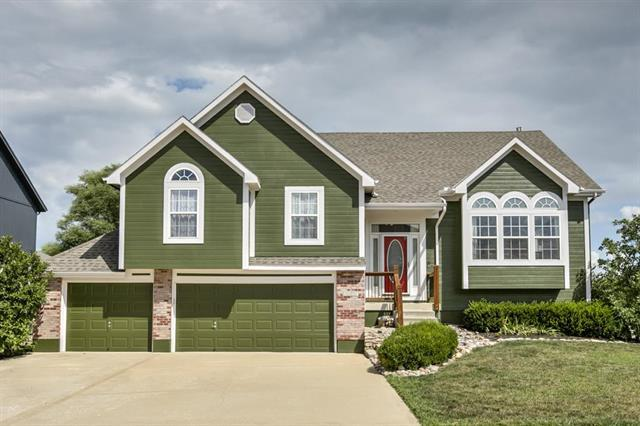 2357 SW Current Court, Lee's Summit, MO 64082 (#2125337) :: Edie Waters Network