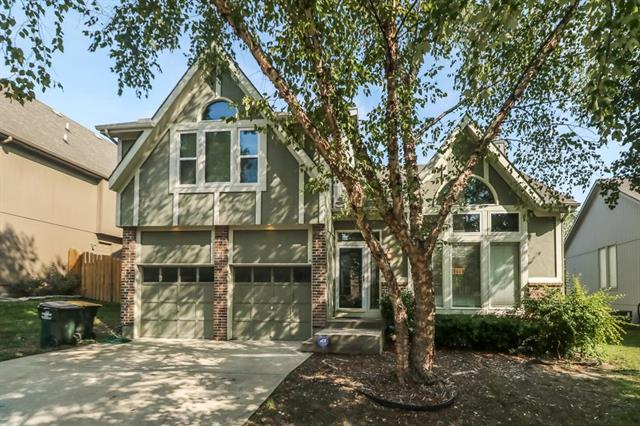 21520 W 53rd Street, Shawnee, KS 66226 (#2125384) :: Team Real Estate