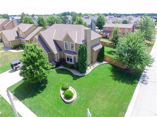 901 SE 12th Street, Lee's Summit, MO 64081 (#2125420) :: No Borders Real Estate