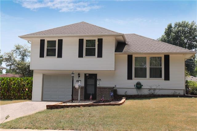 15303 E 36th Terrace, Independence, MO 64055 (#2125459) :: Edie Waters Network