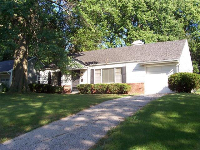 7600 Rainbow Drive, Prairie Village, KS 66208 (#2125461) :: Edie Waters Network