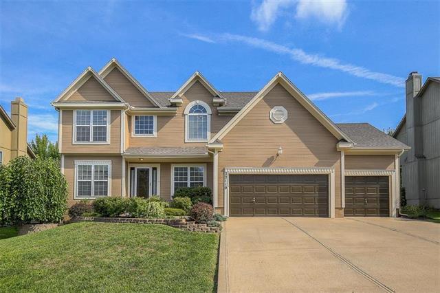 22110 W 52nd Street, Shawnee, KS 66226 (#2125470) :: Team Real Estate