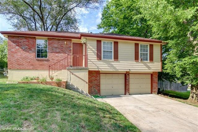 5400 NW Downing Street, Blue Springs, MO 64015 (#2125477) :: Team Real Estate
