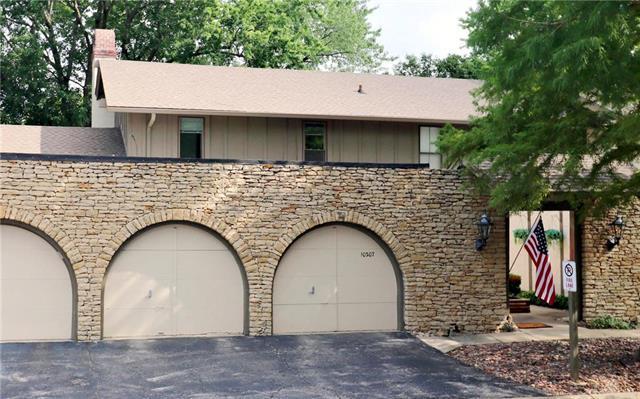 10207 Conser Street, Overland Park, KS 66212 (#2125499) :: No Borders Real Estate