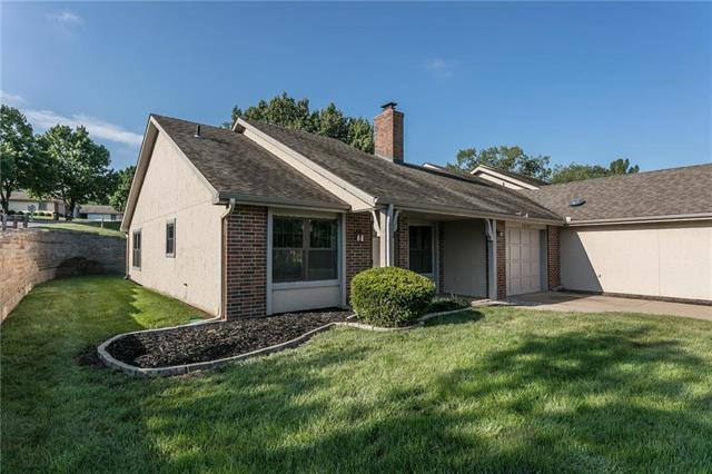 12101 W 121st Street, Overland Park, KS 66213 (#2125506) :: No Borders Real Estate