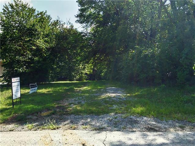 7607 Westridge Road, Raytown, MO 64138 (#2125526) :: No Borders Real Estate