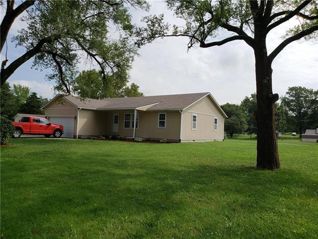 1356 Ash Street, Pleasanton, KS 66075 (#2125551) :: Char MacCallum Real Estate Group
