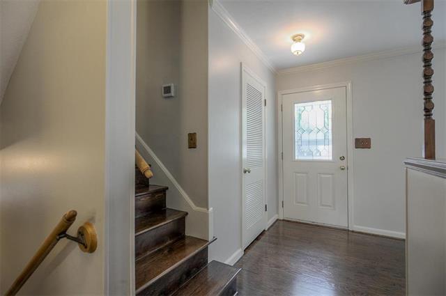 5520 W 63rd Terrace, Mission, KS 66202 (#2125591) :: Team Real Estate