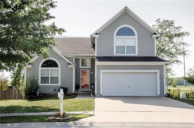 880 N Poplar Street, Gardner, KS 66030 (#2125597) :: Edie Waters Network