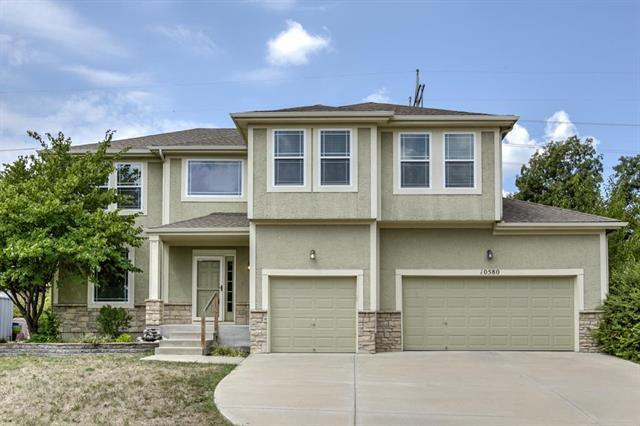 10580 S Millstone Street, Olathe, KS 66061 (#2125603) :: Edie Waters Network