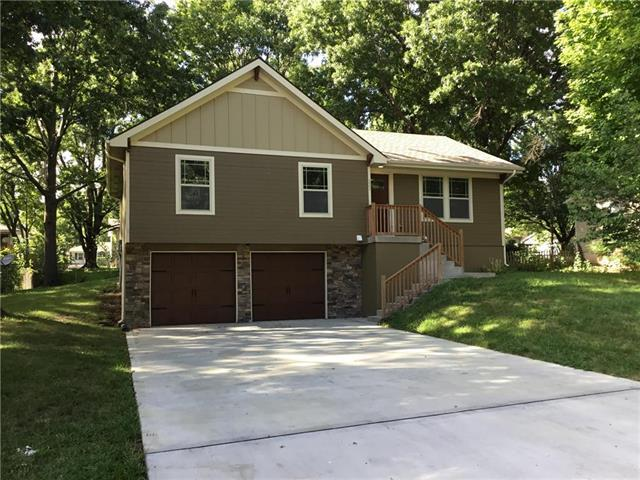 221 SE Westminister Road, Blue Springs, MO 64014 (#2125629) :: No Borders Real Estate