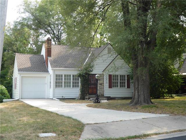 5413 W 51 Street, Roeland Park, KS 66205 (#2125653) :: Team Real Estate