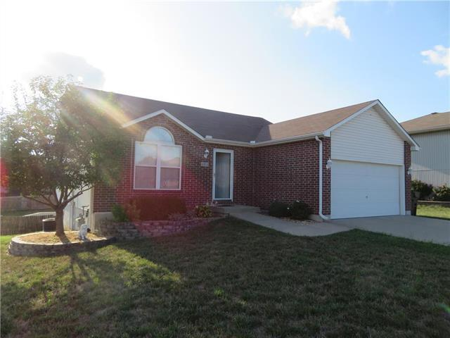 414 E College Street, Odessa, MO 64076 (#2125686) :: No Borders Real Estate