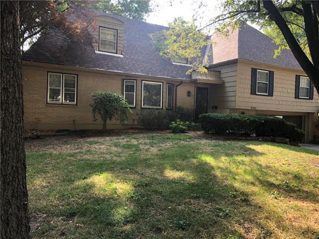 9733 Walmer Street, Overland Park, KS 66212 (#2125738) :: Team Real Estate