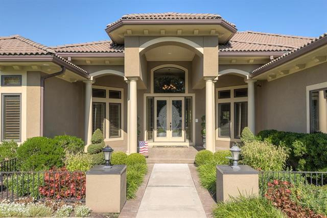 4412 NE Shadow Valley Circle, Lee's Summit, MO 64064 (#2125745) :: Team Real Estate