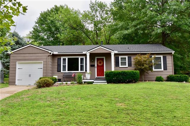 7943 Reeds Road, Prairie Village, KS 66208 (#2125785) :: Team Real Estate