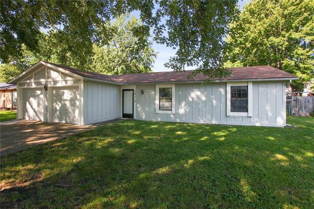 14110 S Summertree Lane, Olathe, KS 66062 (#2125788) :: Team Real Estate