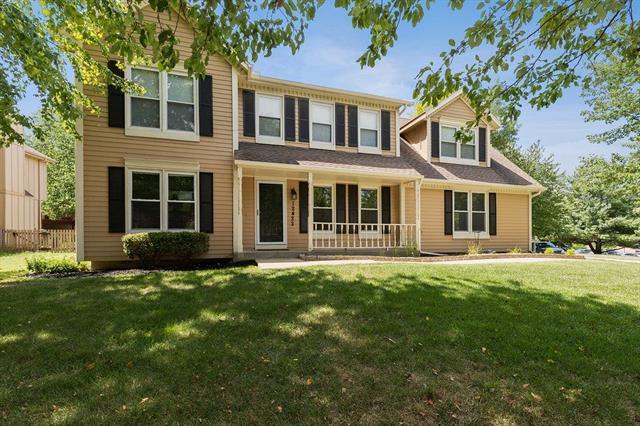 12422 S Arapaho Drive, Olathe, KS 66062 (#2125792) :: Team Real Estate