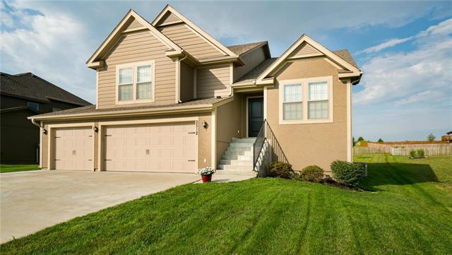 2512 N 111 Th Court, Kansas City, KS 66109 (#2125829) :: Team Real Estate