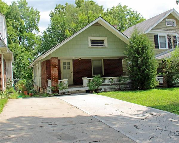6207 Forest Avenue, Kansas City, MO 64110 (#2125843) :: Edie Waters Network