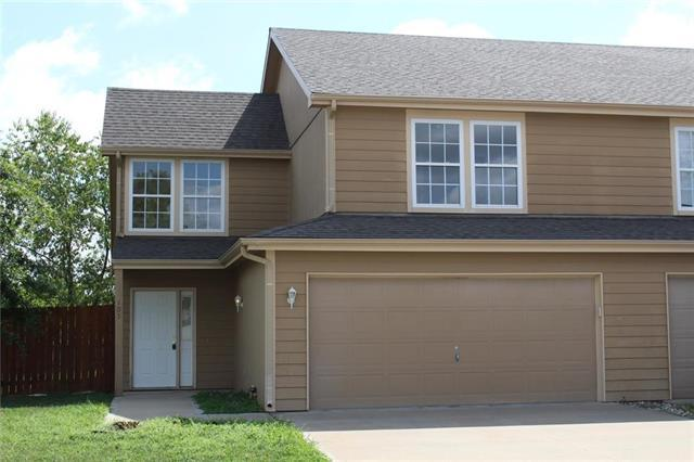 105 Bradley Court, Tonganoxie, KS 66086 (#2125895) :: Edie Waters Network