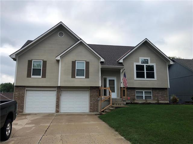 3829 SW Windsong Drive, Lee's Summit, MO 64082 (#2125912) :: Team Real Estate