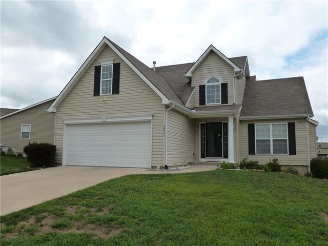 3211 NE 89th Street, Kansas City, MO 64156 (#2125914) :: Team Real Estate