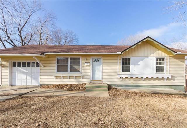 10634 Indiana Avenue, Kansas City, MO 64137 (#2125916) :: Team Real Estate