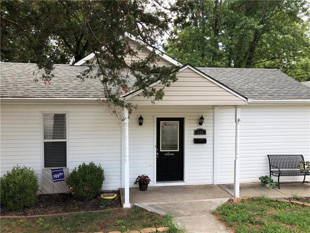 215 S Jewell Street, Liberty, MO 64068 (#2125918) :: Team Real Estate