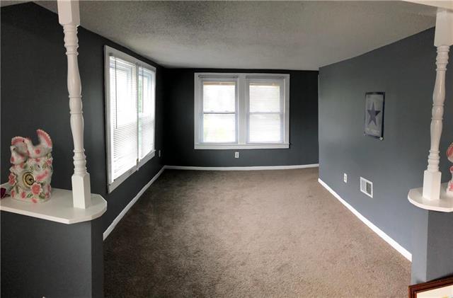 4918 Smart Street, Kansas City, MO 64124 (#2125922) :: Team Real Estate