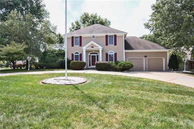 2200 SW Park Avenue, Blue Springs, MO 64015 (#2125956) :: Kansas City Homes