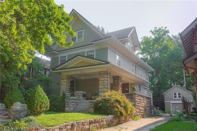3639 Charlotte Street, Kansas City, MO 64109 (#2125973) :: Edie Waters Network