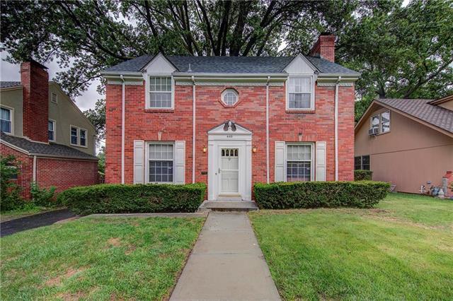 440 E 65 Street, Kansas City, MO 64131 (#2126046) :: Char MacCallum Real Estate Group