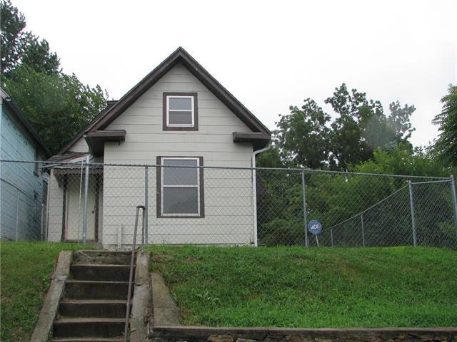 5831 E 10th Street, Kansas City, MO 64126 (#2126080) :: Edie Waters Network