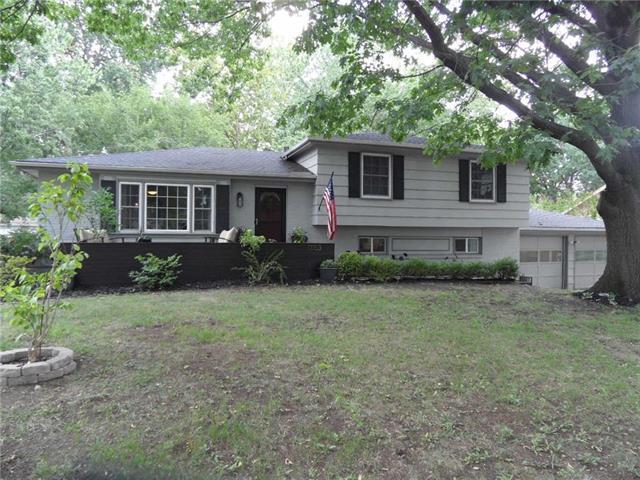 11153 Walnut Street, Kansas City, MO 64114 (#2126082) :: Char MacCallum Real Estate Group