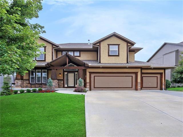 4311 N 112TH Street, Kansas City, KS 66109 (#2126130) :: Char MacCallum Real Estate Group