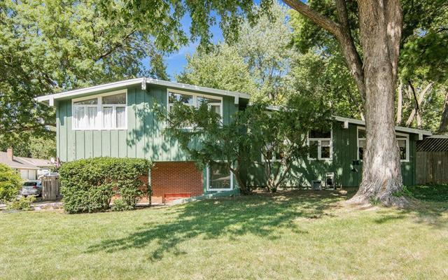 3408 W 79th Street, Prairie Village, KS 66208 (#2126222) :: Edie Waters Network