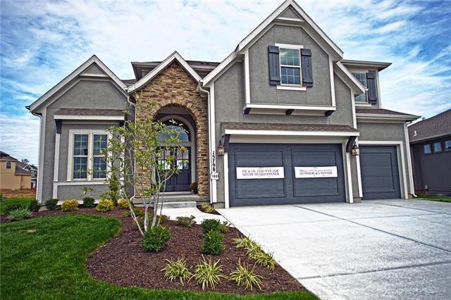 15684 W 165th Terrace, Olathe, KS 66062 (#2126227) :: Char MacCallum Real Estate Group