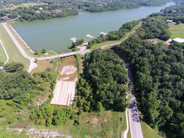 16531 W Loch Lloyd Parkway, Loch Lloyd, MO 64012 (#2126229) :: Kansas City Homes